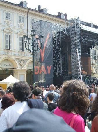 V2-day